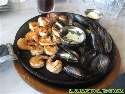 Sizzling Iron Skillet-Roasted Mussels and Shrimp (Medium) at Crab House at Pier 39