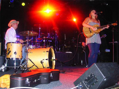 Anuhea with Shawn Pimental on drums