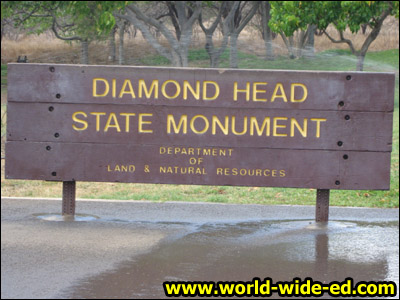 Diamond Head State Monument Sign