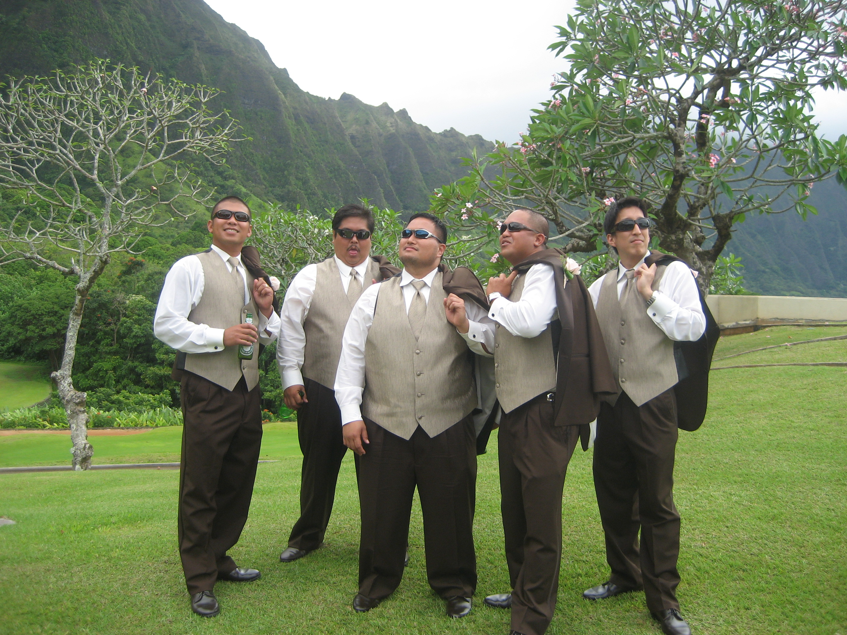 Hawaii Weddings Galore – A Look Back at Eight Hawaii Weddings in One Year