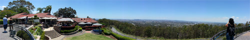 Panoramic view atop Mount Coot-tha (click to enlarge)