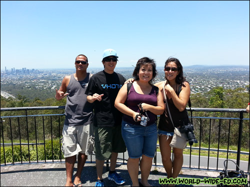 Kaleo Lancaster (@islandtrails), me (@worldwideed), Melissa Chang (@Melissa808) and Catherine Toth (@thedailydish) at the Brisbane Lookout at Mount Coot-tha
