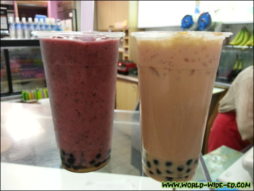 Blueberry and Milk Tea Bubble Drinks